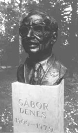 Gábor Dénes szobor