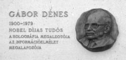 Gábor Dénes utacanév tábla